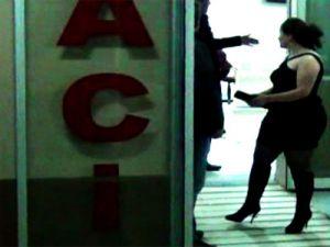 İnternet Üzerinden  İL  İL Fuhuş Turnesi  Yapan Kadınlar Yakalandılar