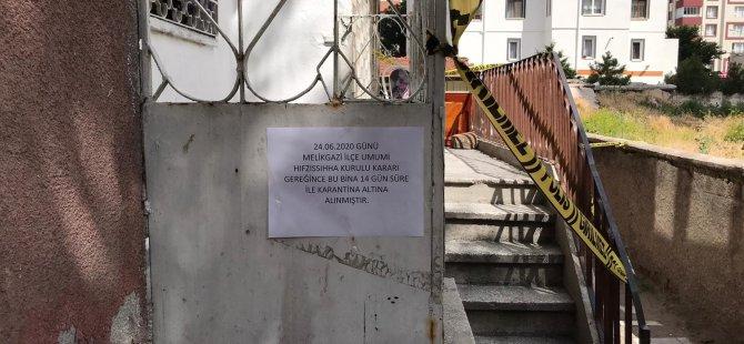 HÜRRİYET'TE 3 KATLI APARTMAN KARANTİNAYA ALINDI