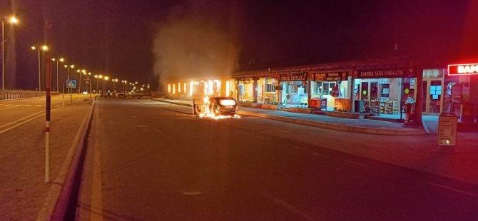 Erciyes Çeşme önünde  araç cayır cayır yandı