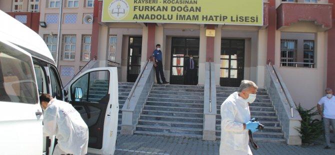 Kayseri'de Müdür Yardımcısı Sümer odasında hayatını kaybetti