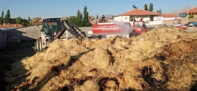 Besicinin saman balyaları yandı