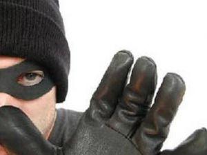 Hırsız 30 yıl önce bir dükkandan çaldığı parayı faiziyle iade etti