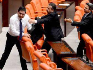 Akparti Vekili Zeybekçi:CHP sıralarına dönerek Bizde namussuzluk bulamazsınız onların hepsi sizde