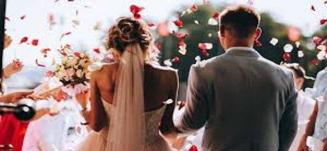Köylerde ve sokaklarda düğün,süresi iki saati aşmayacak