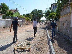Bünyan'da kilitli parke yol yapım çalışmaları sürüyor