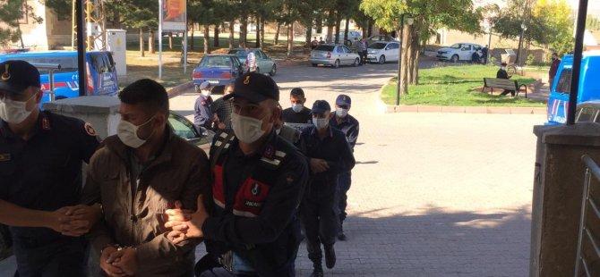Pınarbaşı Kazancık ve Yahyabey'de hayvan hırsızları yakalandı