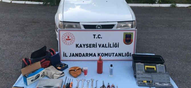 İncesu saraycık'ta 7 ev soyan hırsızlar yakalandı