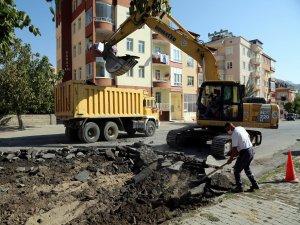 Develi Alparslan Türkeş Caddesi sıcak asfalt çalışması başladı