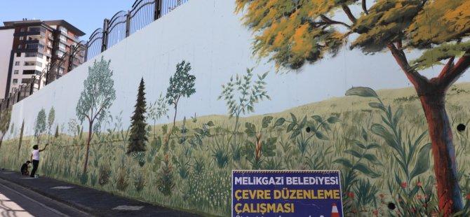 Melikgazi'nin duvarları boyanıyor