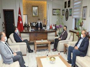 Gençlik ve Spor İl Müdürü Kabakçı, Hüseyin Akay'ı ziyaret etti