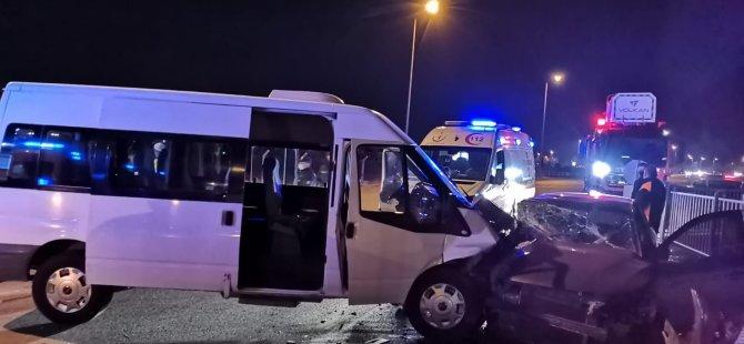 Erenköy Mahallesinde Askeri personel ile otomobil çarpıştı: 8 yaralı