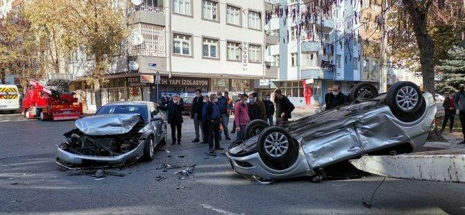 İki otomobil çarpıştı takla attı biri ters döndü 3 yaralı