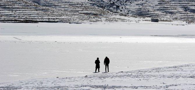 Tekir Göleti Buz Tuttu-Foto