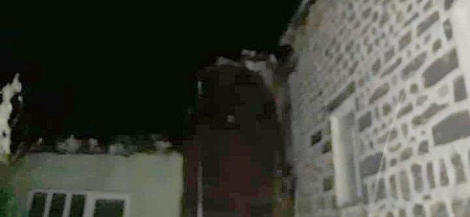 Develi'de Camiye Yıldırım düştü