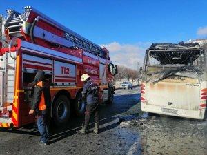 Mimarsinan'da işçi servisi cayır cayır yandı