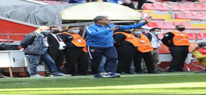 """Hamzaoğlu: """"Oyuncularımı tebrik ediyorum"""""""