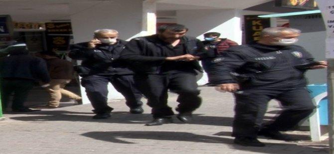 Düvenönünde bir otel'de bıçaklı kavga