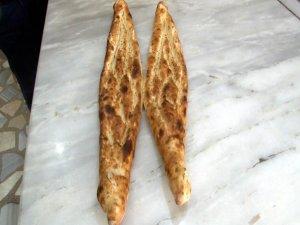 Pideler iftar sofrasını süslüyor