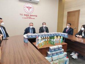 Arif Molu Mesleki ve Teknik Anadolu Lisesi öğrencileri 20 bin adet N95 maskesi teslim etti