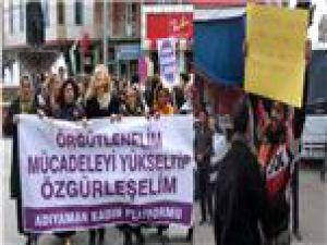 Aldatılan  erkek protesto etti kadınları