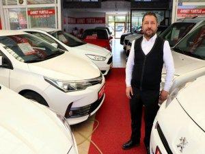 Galerici Ahmet Yurtlu: ikinci el araç piyasası bu yıl 'stop' etti