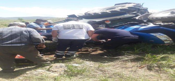 Traktör kazası bacağına demir saplandı baba ve oğul son anda kurtarıldı