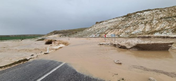 Pınarbaşı ilçesinde etkili olan dolu ve sel tarım arazilerini zarar verdi