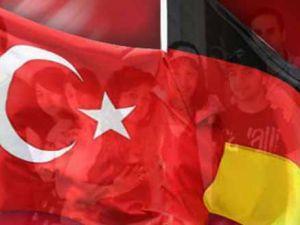 Almanya'daki  Türk gençleri zorda