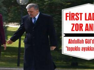Cumhurbaşkanı Abdullah Gül Eşi Hayrunnisa Gül'ü Azarlıyor