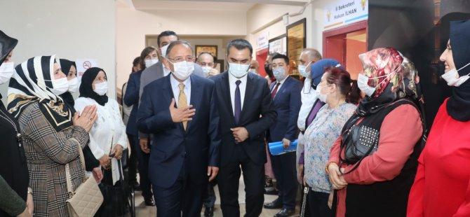 """Özhaseki: """"Vatandaşın beklentisi AK Parti'dedir"""""""