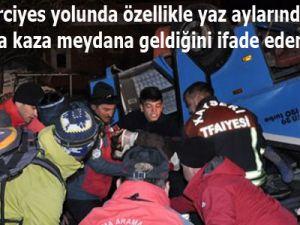Hacılar'da Bir yılda iki kez aracın çarptığı evini boşalttı