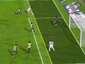 Fenerbahçenin verilmeyen Golü Kuyt Kendi Kalesine Attı-video