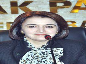 AK Parti İl Kadın Kolları Başkanı Venhar Pakırdaşı: