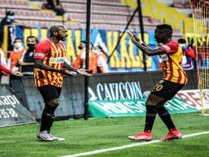 Fernandes ilk maçında iyi bir performans gösterdi