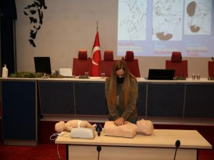 Büyükşehir'den ilk yardım sertifika yenileme eğitimi