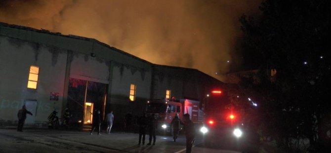 Kayseri Organize Sanayi Bölgesi'nde kağıt fabrikasında yangın