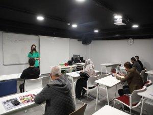 Başkan Yalçın İngilizce öğrenmek isteyenleri Talas'a davet etti