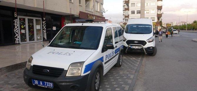 Hürriyet'te Üçüncü kattan düşen 2 çocuk annesi kadın hayatını kaybetti