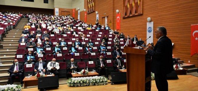 Başkan Büyükkılıç, Kayseri Üniversitesi'nin açış dersine katıldı