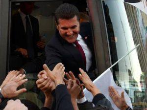 AK Parti'ye oy veren 4 kişiyi ikna etmesini istedi