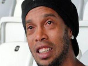 Ünlü Futbolcu Ronaldinho Ağlayarak Sırrını Açıkladı