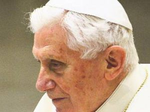 Papa'yı seks yaktı