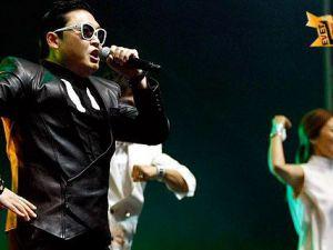 Gangnam Style İstanbul'u Salladı-Video