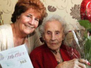 Yuh 102 yaşına geldi sigrayı yeni bırakan kadın