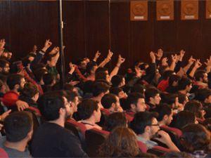 Kayseri'de ülkücüler canlı yayını bastı