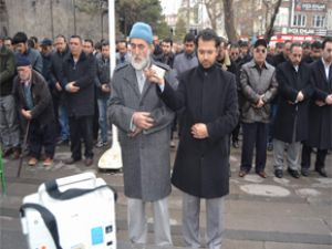 Kayseri Mazlumder'den Suriye İçin Gıyabi Cenaze Namazı