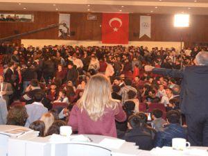 ERCİYES ÜNİVERSİTESİ'NDE ÜLKÜCÜ VE SOLCU  ÖĞRENCİLER KAVGA ETTİ