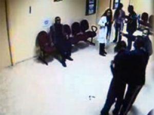 Hamile kadın 'doktora' dayak attı! VİDEO