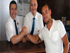 Sneijder imzaladı mı?