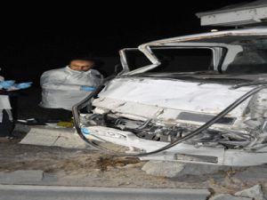 Kayseri'de Polisten kaçtılar duvara tosladılar